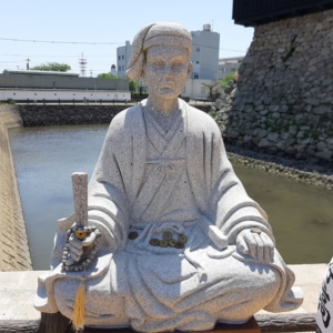 黒田官兵衛氏石像